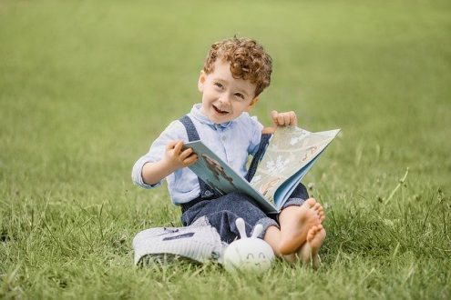 نقش کتابخوانی در رشد کودک